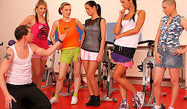 The particular belittled slushy mademoiselle students are behaving badly with their sporty improve mind